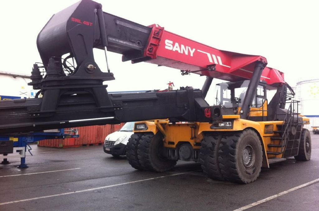 Sany Sany RSC45C1 Full-container reach stacker www.hinrichs-forklifts.com