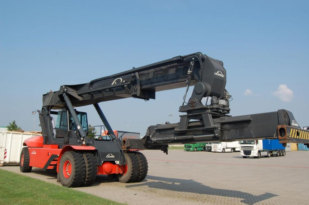 Linde C4531TL5 Full-container reach stacker