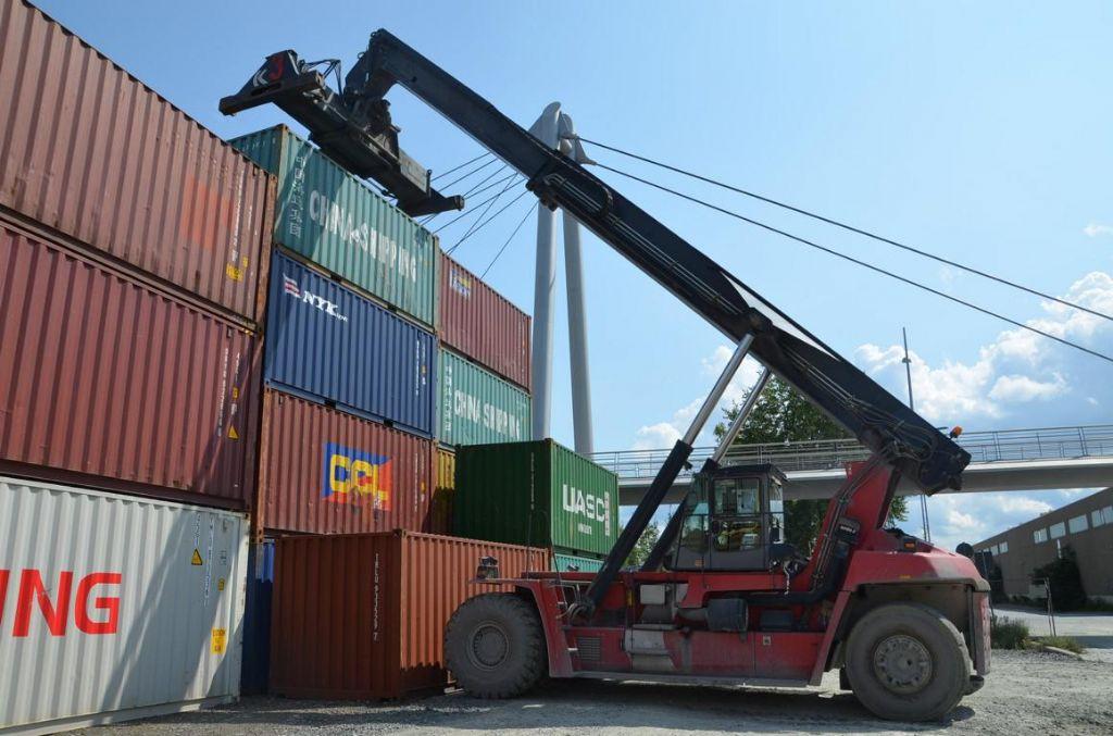 Kalmar DRF450-60-S5 Full-container reach stacker