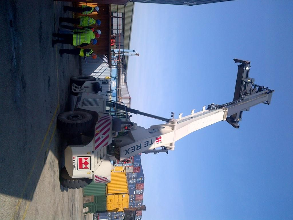 Terex TFC45R Full-container reach stacker