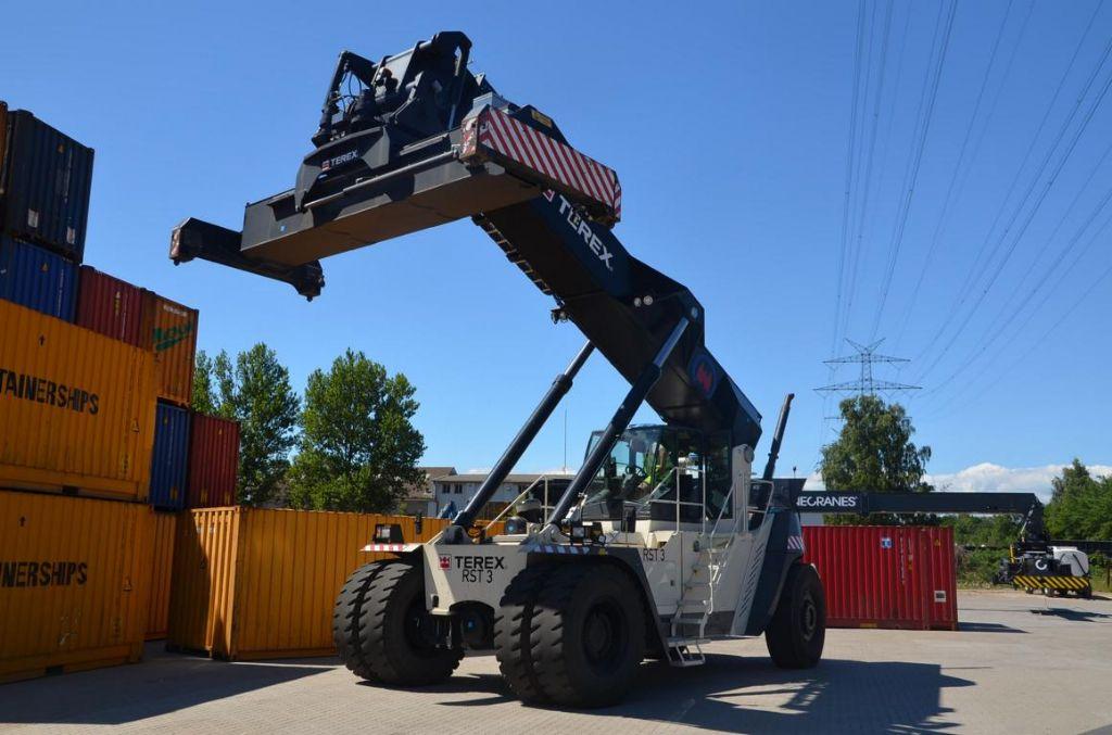 Terex SC45KS Full-container reach stacker