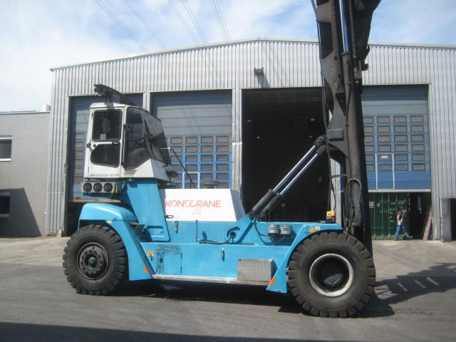 SMV SMV 4/5 ECB100DS Empty Container Handler www.hinrichs-forklifts.com