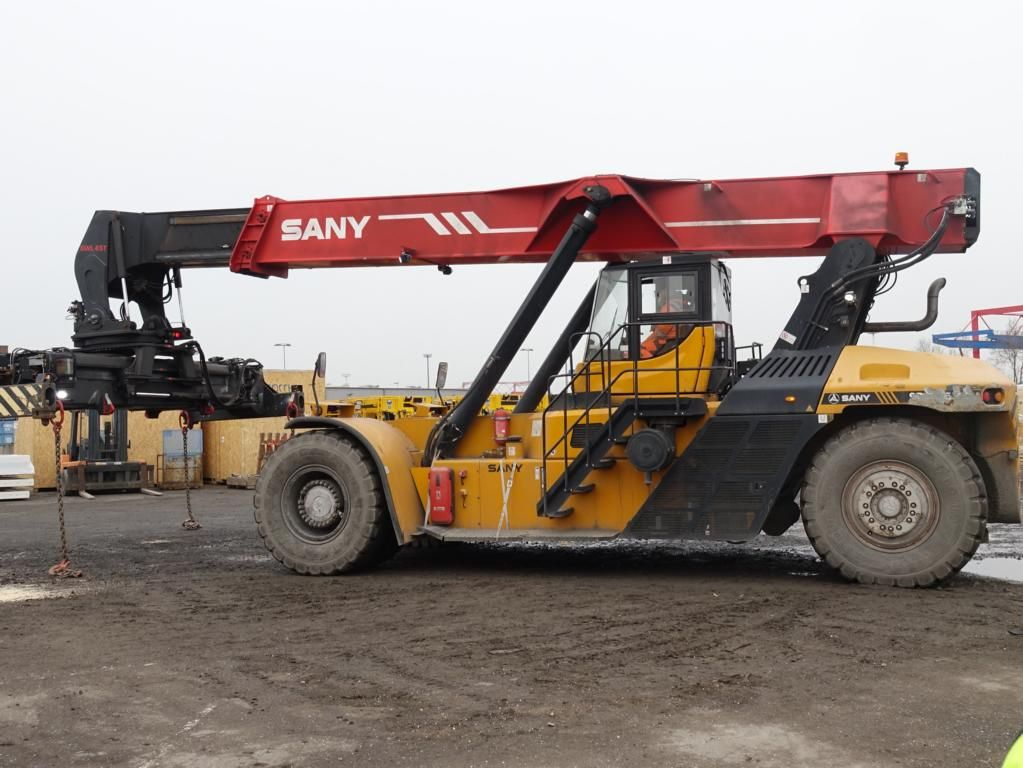 Sany SRSC4535G Full-container reach stacker www.hinrichs-forklifts.com