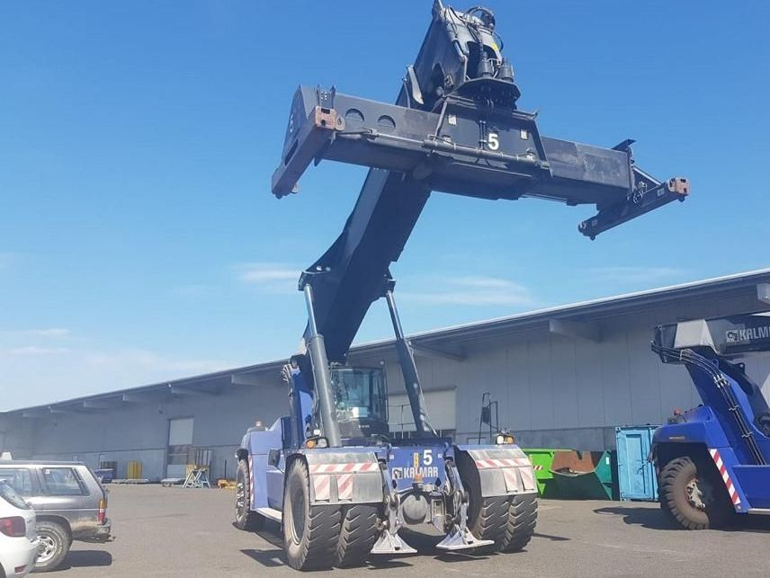Kalmar DRG450-70S5XS Full-container reach stacker www.hinrichs-forklifts.com
