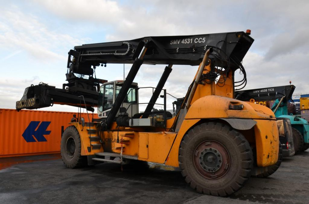 SMV-SC4531CC5-Vollcontainer Reachstacker