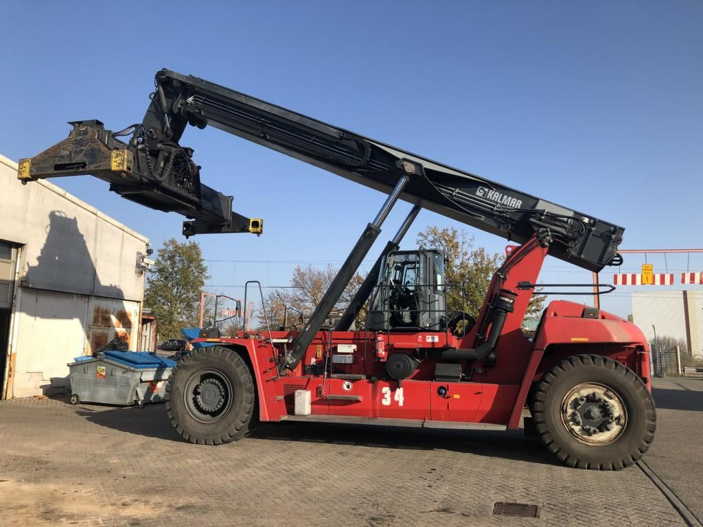 Kalmar-DRG450-65S6X-Vollcontainer Reachstacker
