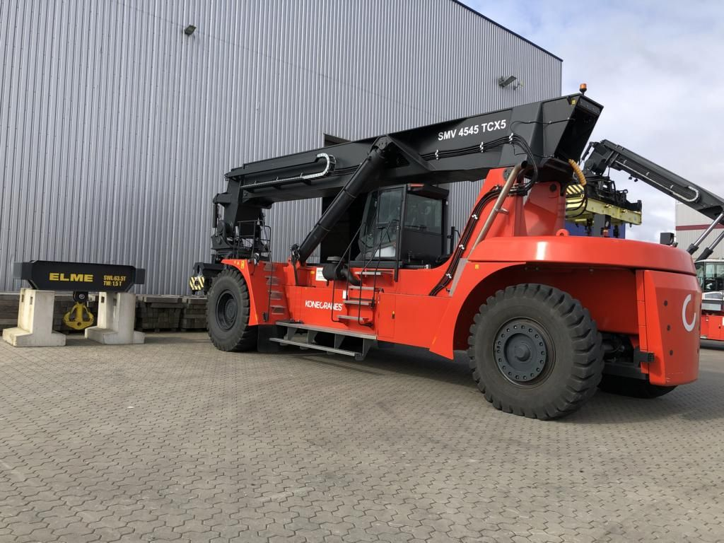 SMV-SMV4545TCX5-Vollcontainer Reachstacker