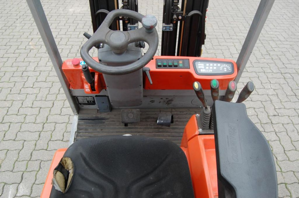 BT CBE160 Electric 3-wheel forklift