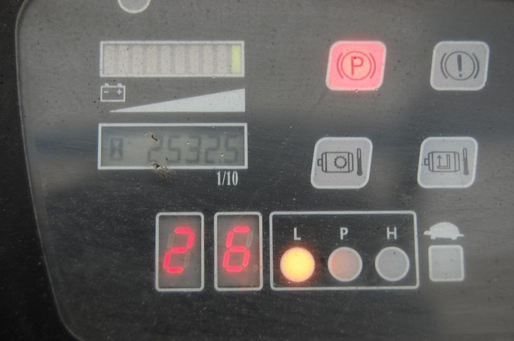 BT CBE160 Electric 3-wheel forklift