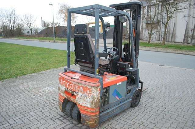 Toyota 5FBE15 FSV Electric 3-wheel forklift