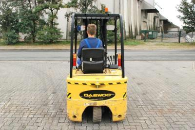Daewoo B15T-2 Electric 3-wheel forklift