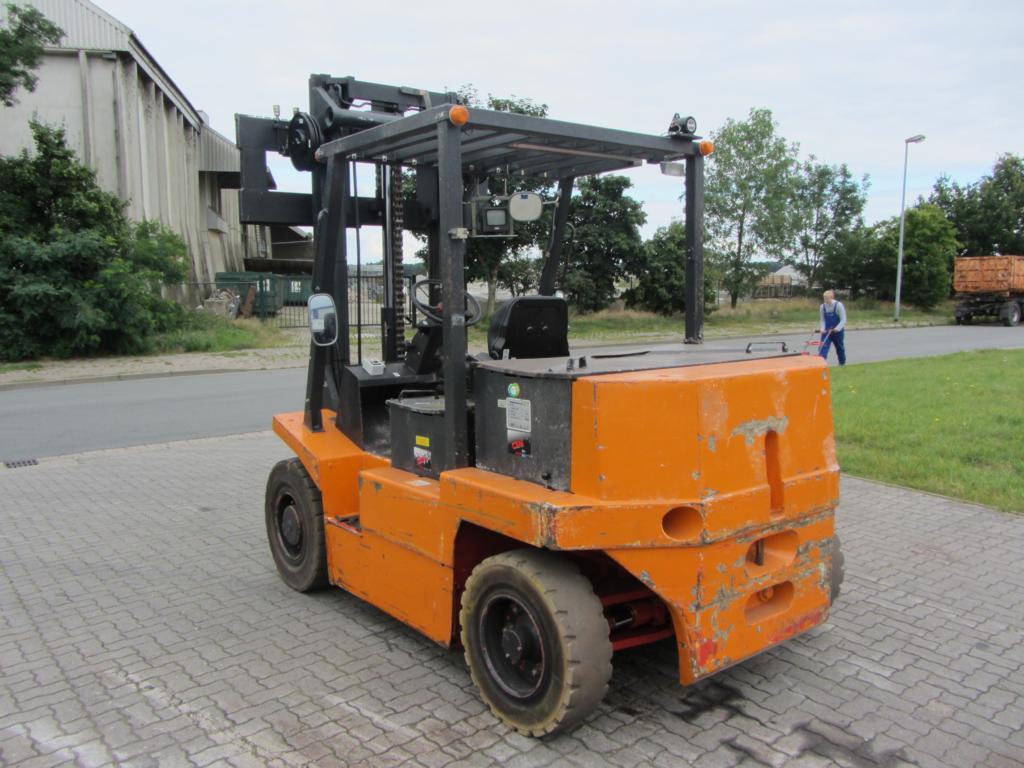 Linde E60 Electric 4-wheel forklift