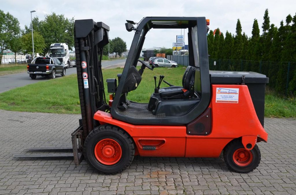 Linde E40P Elettrico 4 ruote www.hinrichs-forklifts.com