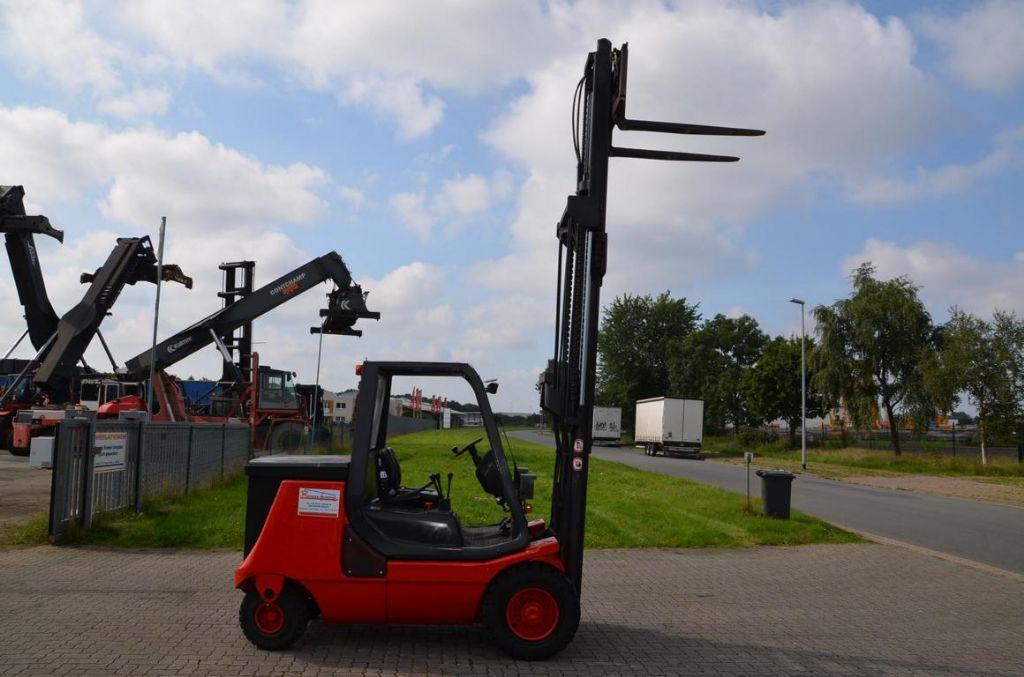 Linde E40P Electric 4-wheel forklift