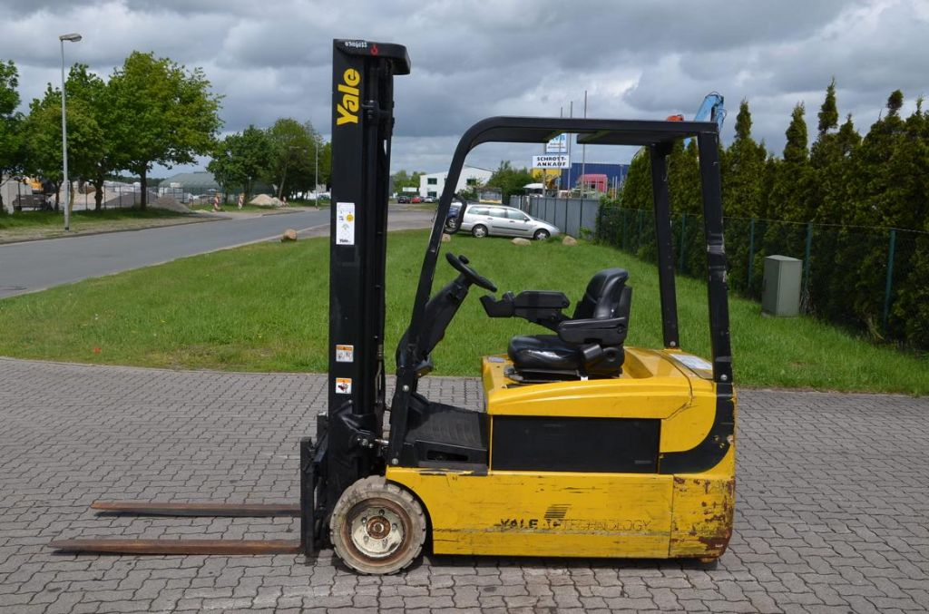 Yale ERP20ATF Elettrico 3 ruote www.hinrichs-forklifts.com
