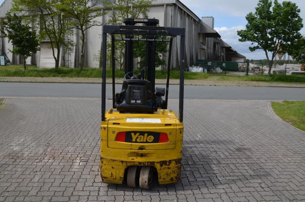 Yale ERP20ATF Electric 3-wheel forklift