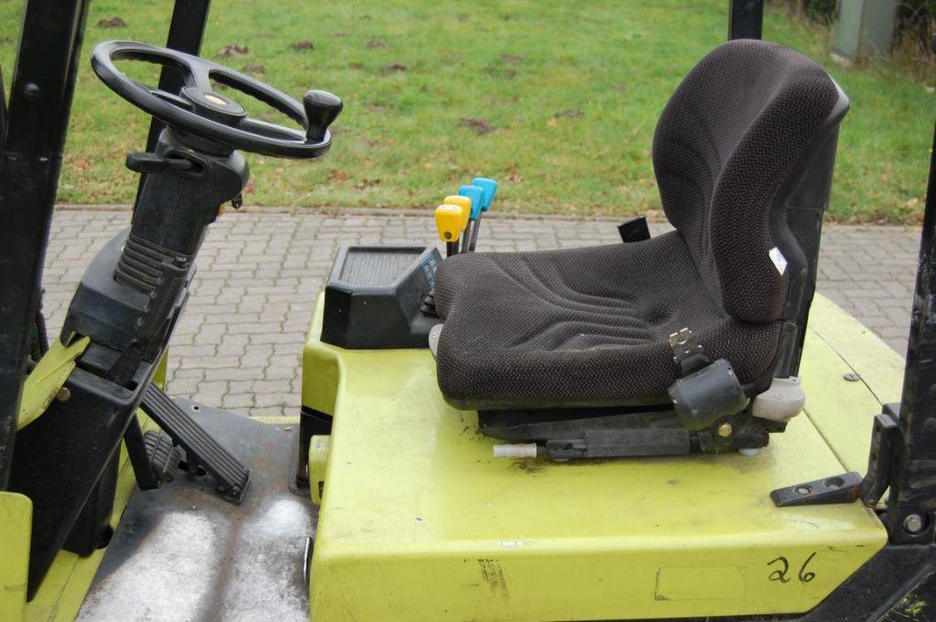 Clark CTM 16S Electric 3-wheel forklift