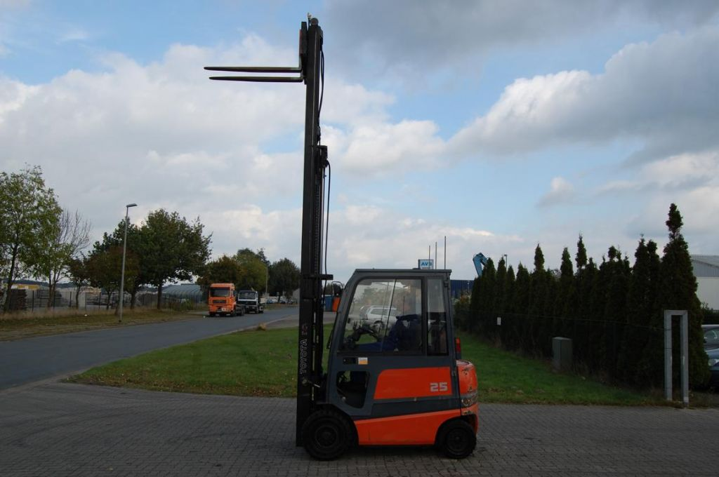 Toyota FBMF25 Electric 4-wheel forklift
