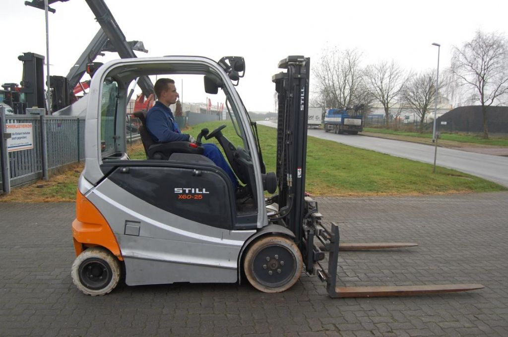 Still RX60-25 Electric 4-wheel forklift www.hinrichs-forklifts.com