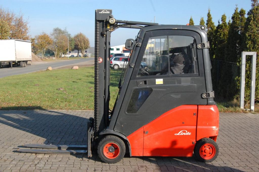 Linde E18PH-01 Electric 4-wheel forklift www.hinrichs-forklifts.com
