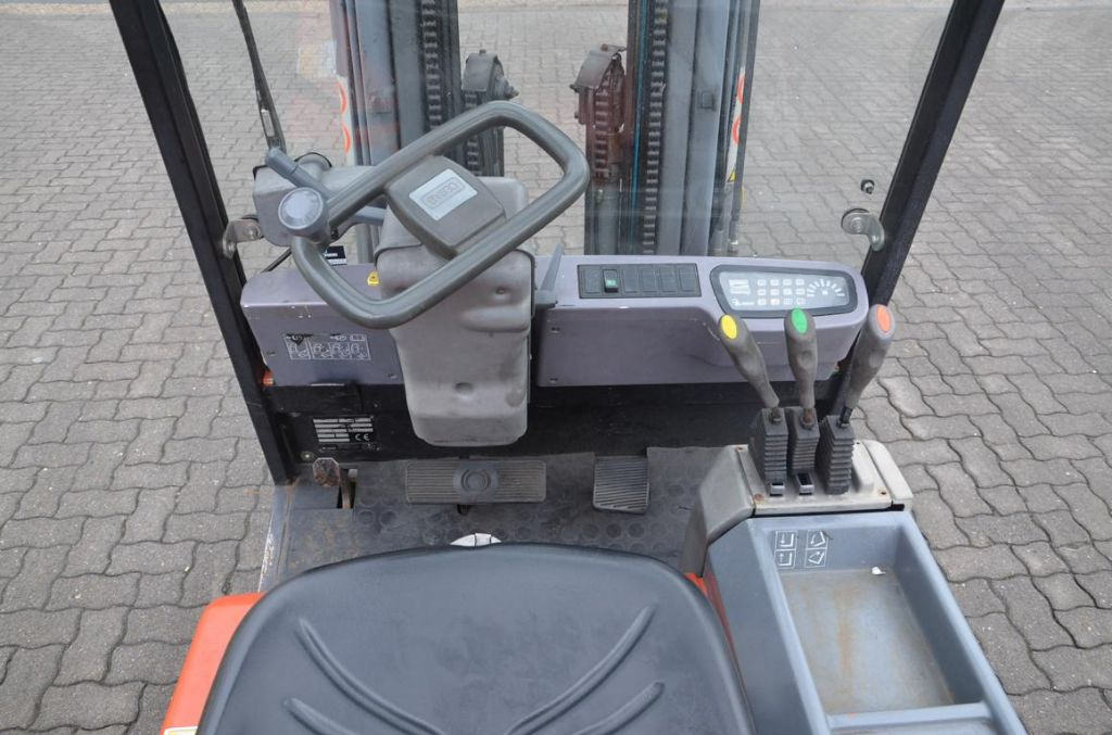 Cesab Blitz 315 Electric 3-wheel forklift