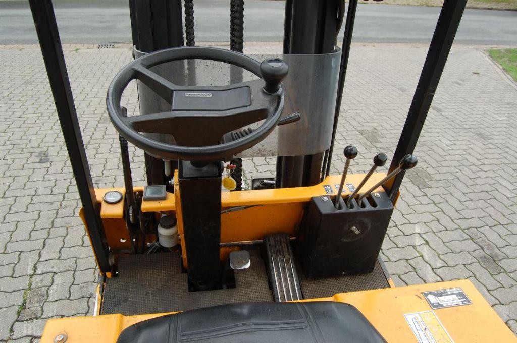 Jungheinrich E4745 Electric 3-wheel forklift