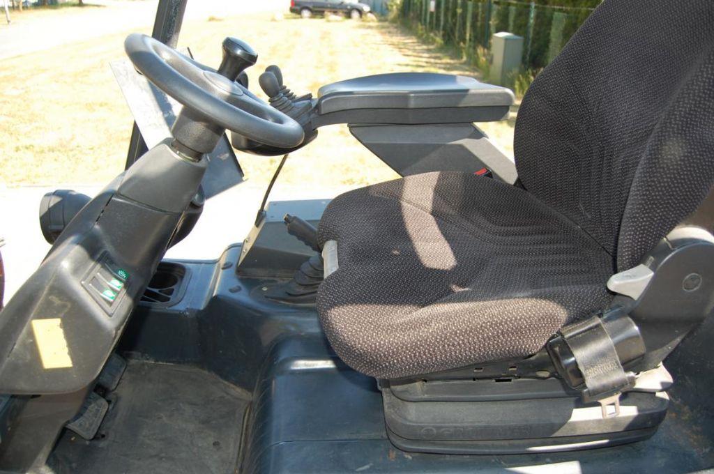Linde E20/02/600 Electric 4-wheel forklift