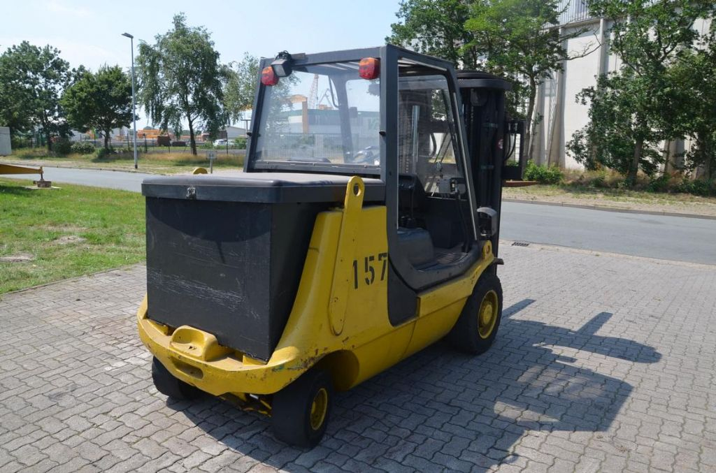 Linde E40P Electric 4-wheel forklift