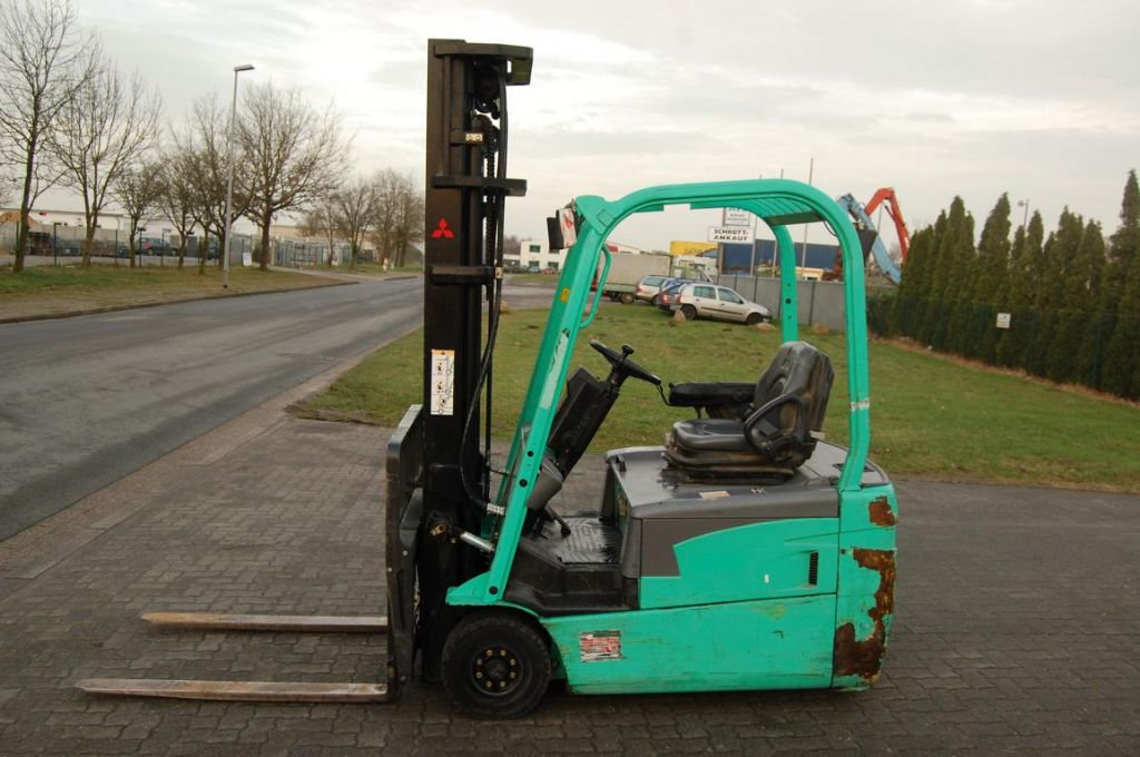 Mitsubishi FB18NT Electric 3-wheel forklift www.hinrichs-forklifts.com