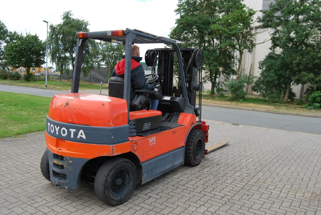 Toyota FBMT50 Electric 4-wheel forklift