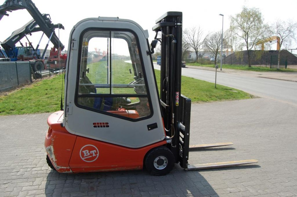 BT CBE16T Electric 3-wheel forklift www.hinrichs-forklifts.com