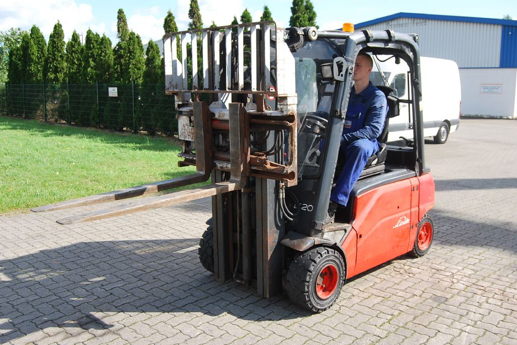 Linde E20PL-01 Electric 4-wheel forklift