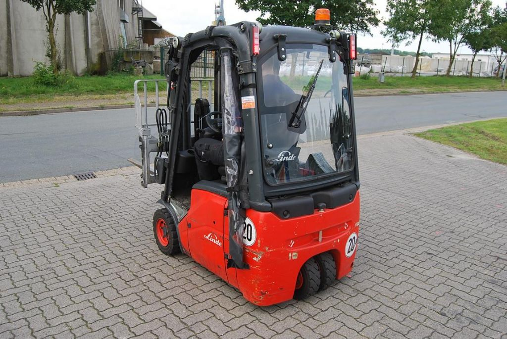 Linde E14 Electric 3-wheel forklift