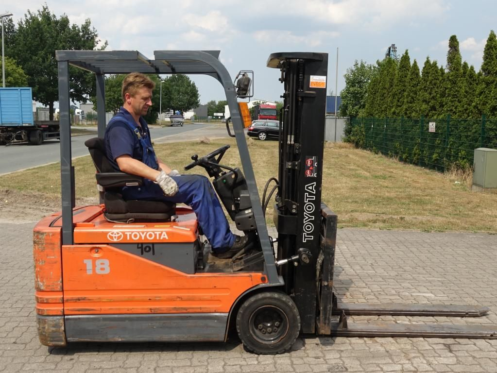 Toyota 5FBE18 Electric 3-wheel forklift