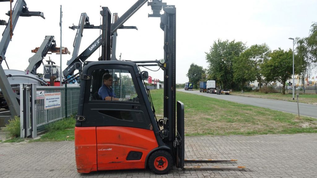 Linde E16H Electric 3-wheel forklift