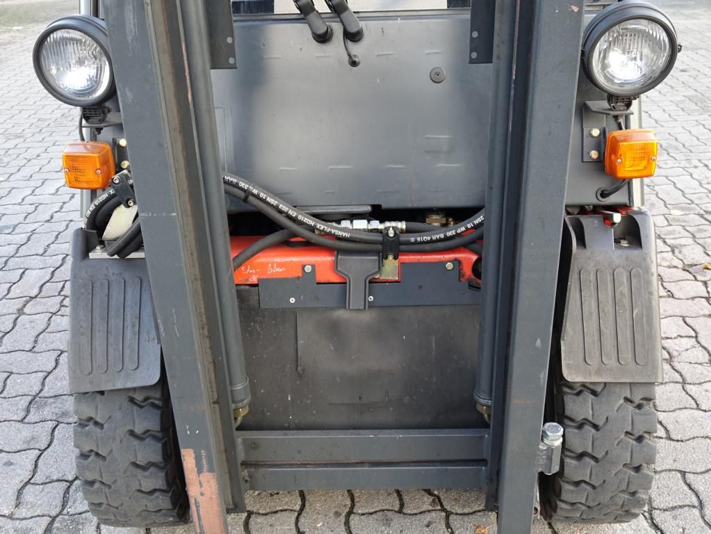 Linde E20-02 Electric 4-wheel forklift