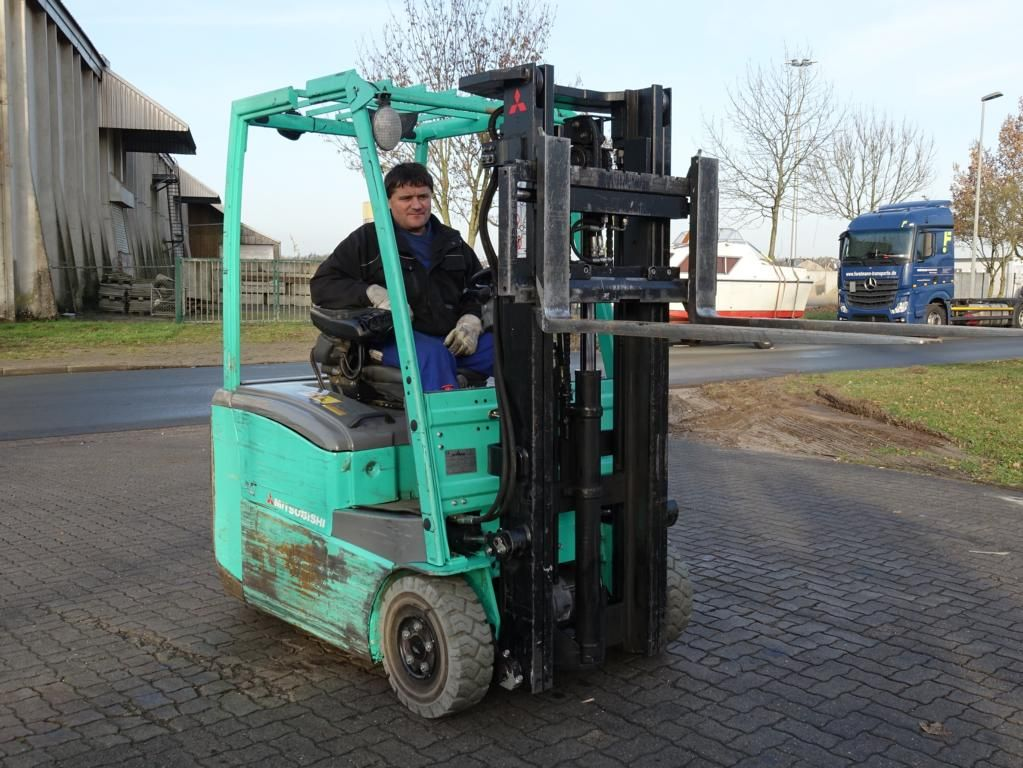 Mitsubishi FB16CPNT Electric 3-wheel forklift www.hinrichs-forklifts.com