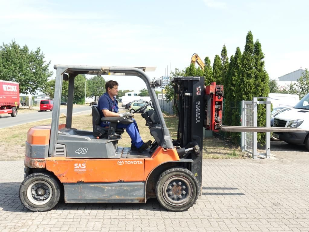 Toyota 7FBMF40 Electric 4-wheel forklift