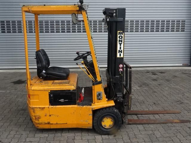 Montini 1203AE Electric 3-wheel forklift www.hinrichs-forklifts.com