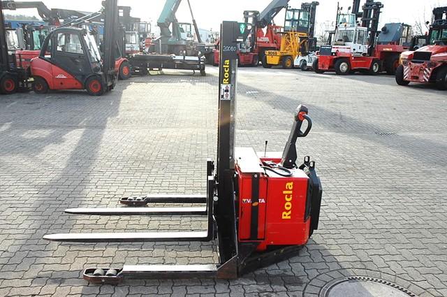 Rocla PEP14S High Lift stacker