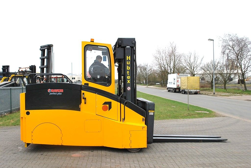 Hubtex EKS110 Heavy Forklifts