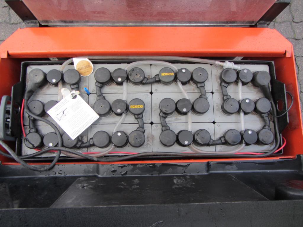 BT SWE120 L High Lift stacker