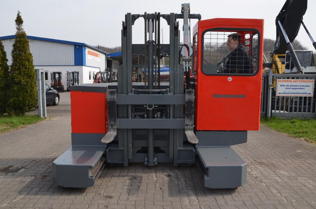 Baumann EVU30-28/08(06)33 Four-way side loader www.hinrichs-forklifts.com