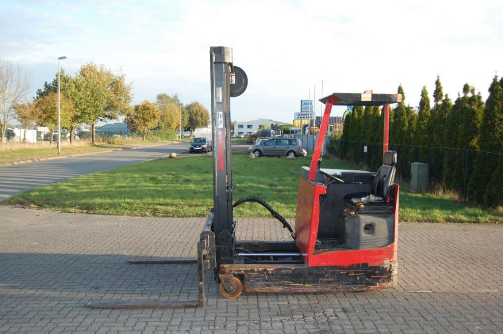 Sichelschmidt M925ASM Four-way side loader www.hinrichs-forklifts.com