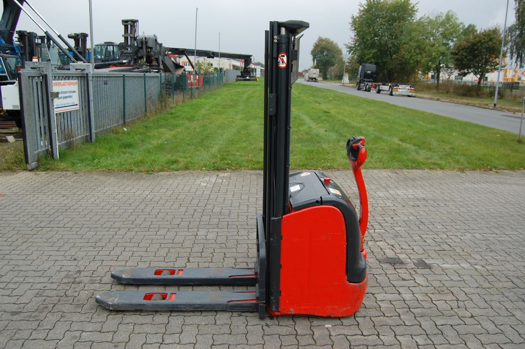 Linde L16 High Lift stacker www.hinrichs-forklifts.com
