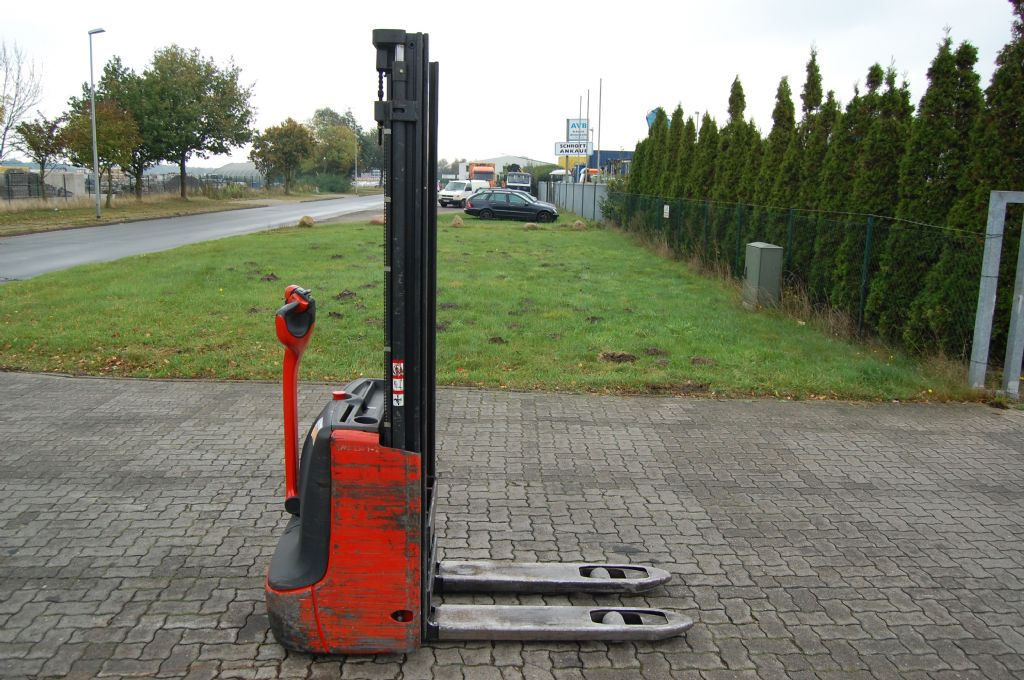 Linde L12 High Lift stacker www.hinrichs-forklifts.com