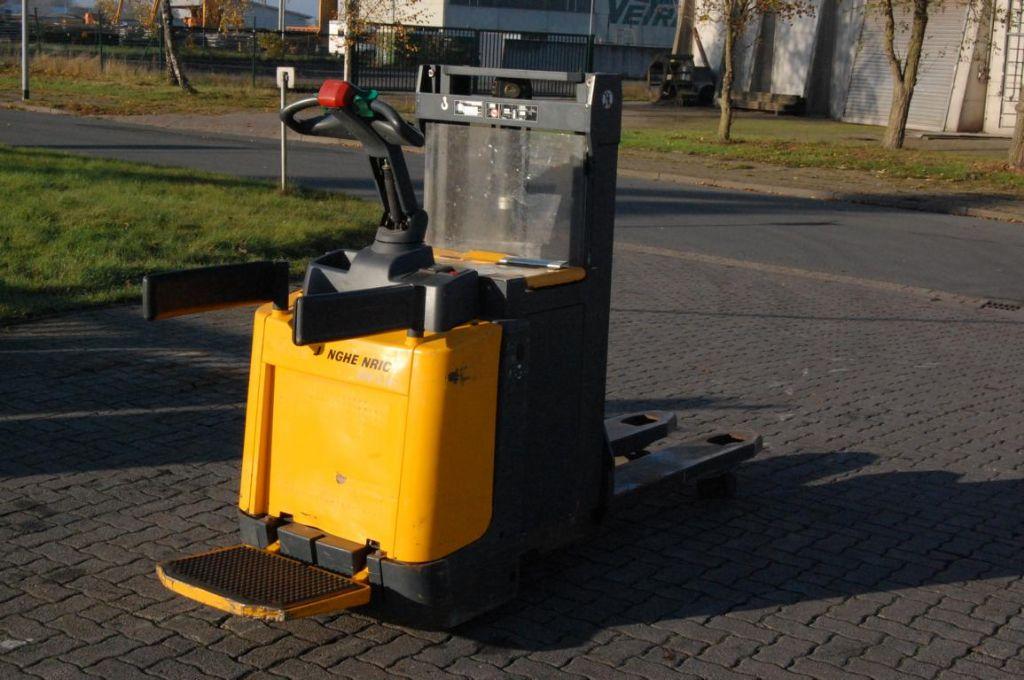 Jungheinrich ERD220 / 119201ZT High Lift stacker