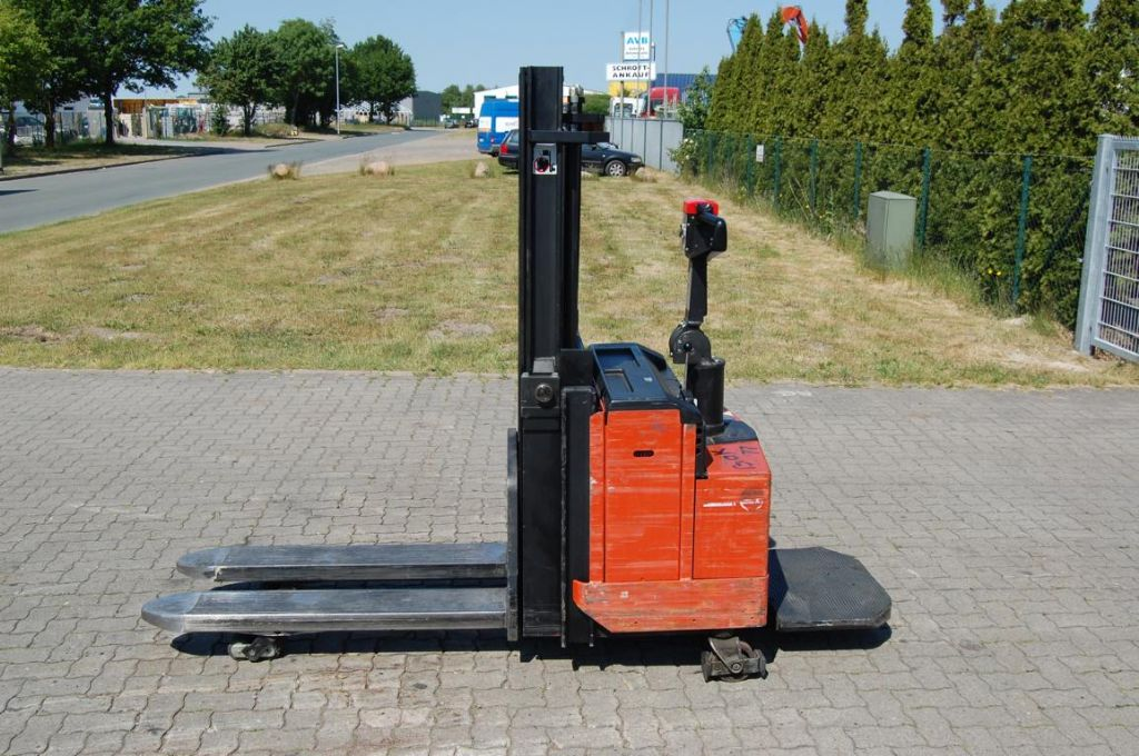 BT LSF1250/11 High Lift stacker www.hinrichs-forklifts.com