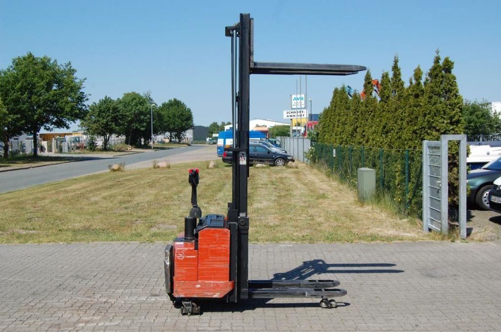 BT LSF1250/11 High Lift stacker