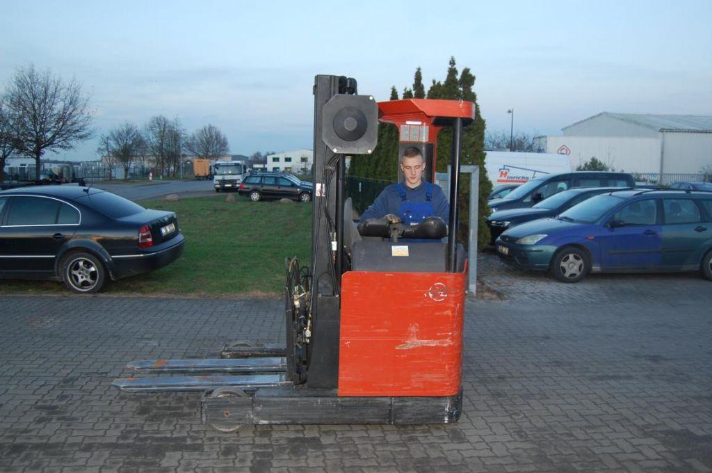 BT RRB1 Chariots à mât rétractable www.hinrichs-forklifts.com